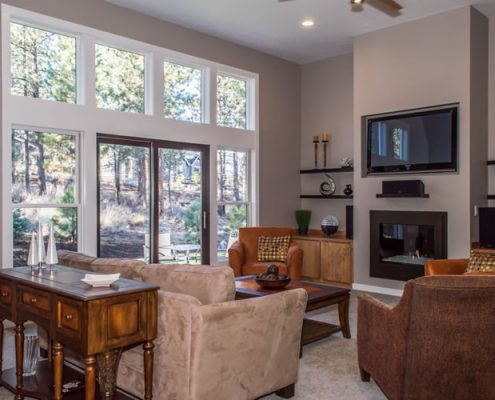 Mt Shasta – Great Room with Natural Light